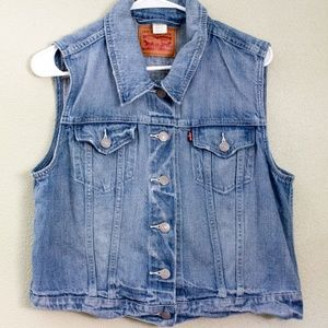Cropped Levi Light Wash Jean Vest